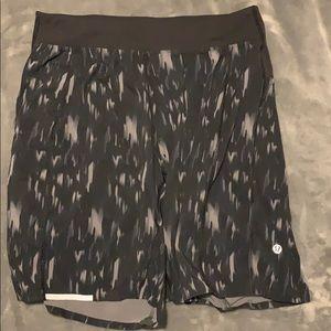Men's Lululemon Shorts - Black size small